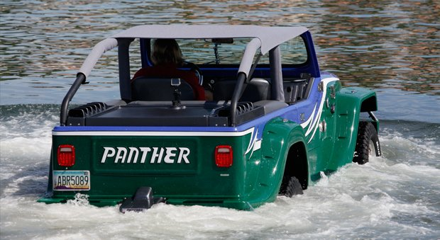 Incredible Amphibious Car Watercar